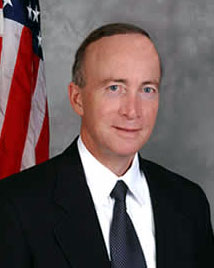 Governor Mitch Daniels will attend a town hall meeting at the Lafayette Theater on Friday, March 6.
