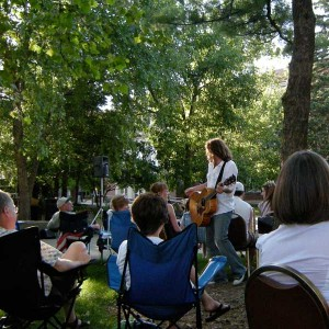 Guitarist Michael Kelsey interacts with the crowd at his 2008 Summer Concert Series performance. (Photo by Guy Louis Martin, gLouis@Flickr)